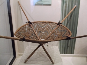 Gathering basket, worn on the back