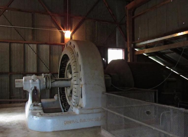Generator, side view
